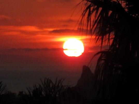 Nous avons de nouveau assisté ce soir à un magnifique coucher de soleil sur la mer.