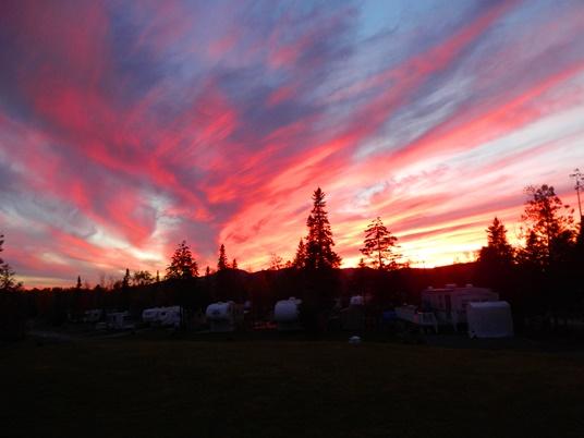 Nous avons été témoins de couchers de soleil spectaculaires au camping Magog-Orford.
