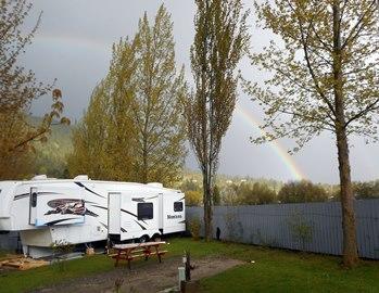 Après la pluie, fréquente depuis notre arrivée, nous avons eu droit à un bel arc-en-ciel.
