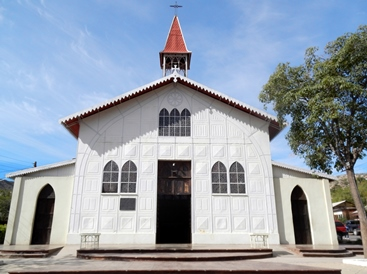 Cette église de Santa Rosalia a été dessinée par M. Eiffel lui-même.