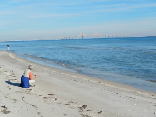 Lise sur la plage de Fort de Soto.