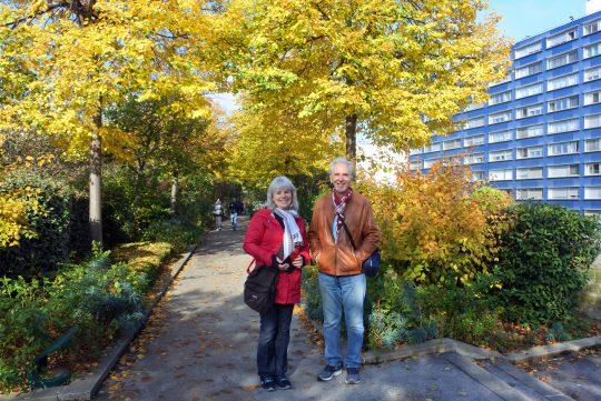 Paul à la Coulée verte, en compagnie de Céline, une Québécoise rencontrée à Paris.