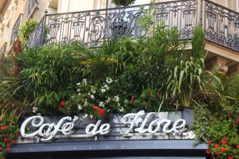 Le célèbre Café de Flore à Saint-Germain-des-Prés.